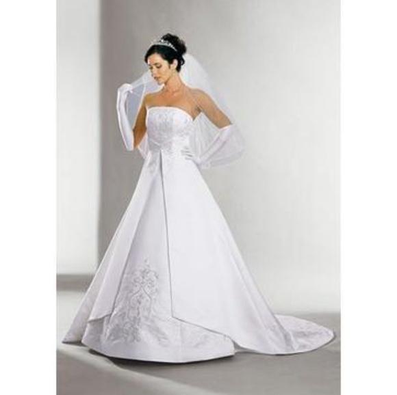 d76abf396d2 David s Bridal Ivory Wedding Dress 5268